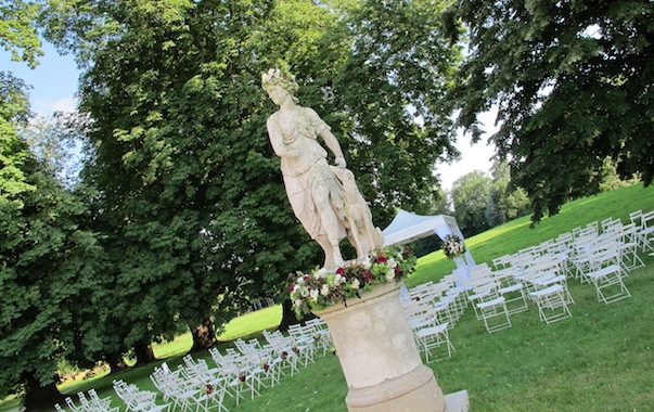 Outdoor ceremony in French chateau_603x380-Myr