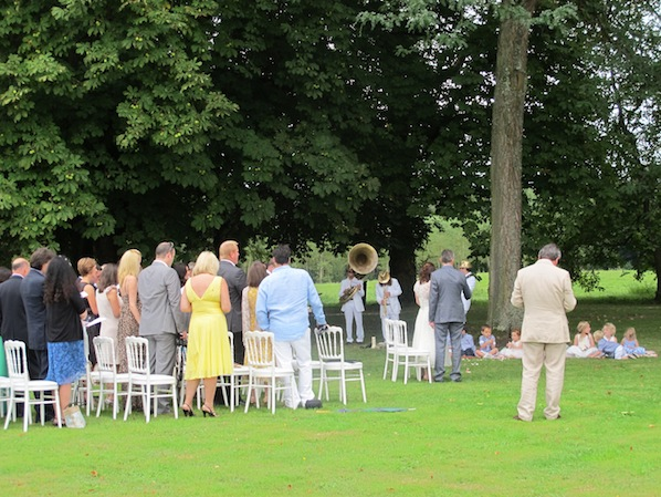 outdoor ceremony classical wedding with napoleon chairs_Frances_598x449