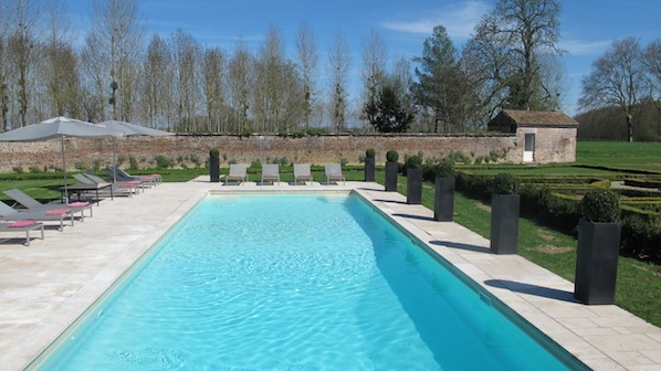 new pool area chateau de varennes. Black Bedroom Furniture Sets. Home Design Ideas