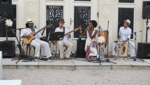 1306_Angelita_Edouard_003_lucia live band outdoor_z_296x167