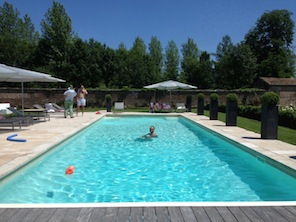 1306_Angelita_Edouard_096_Sunday pool_z_296x222