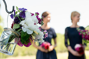 1405_Renata outdoor wedding_Chateau de Varennes_002_flowers_encre noire_298