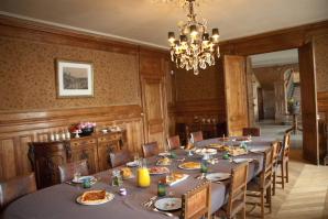 1402_dining room_breakfast_001_298x199