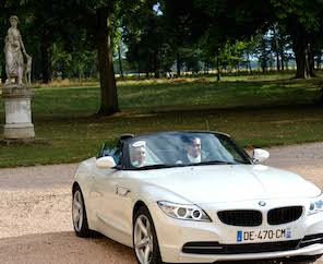 1406_Malice_Lionel Beauxis_celebrity wedding_Chateau de Varennes_021_014_arrival of newlyweds bmw_z_296_242