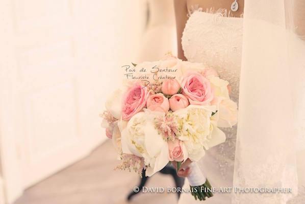 1506_Anne_Remi_by David Bornais_004_598_399_Chateau de Varennes mariage_bride flowers_pois de senteur