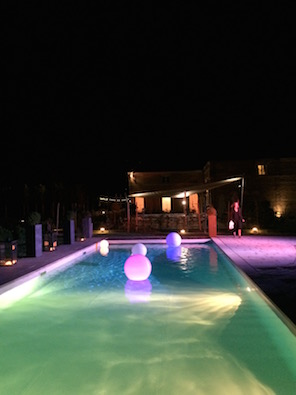 1508_Zoe_Fred_party_pool by night_light balls_blog_296