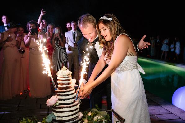 1508_Zoe_Fredrik_by Ian_wedding cake by night_596