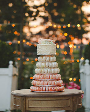 1608_Jules_by hannah_071_wedding cake_macaron tower_296