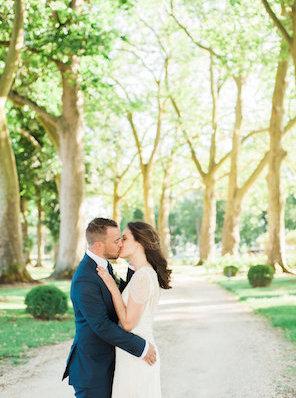 1706_Virginie_by Celine_couple_001_trees_kiss_296_398
